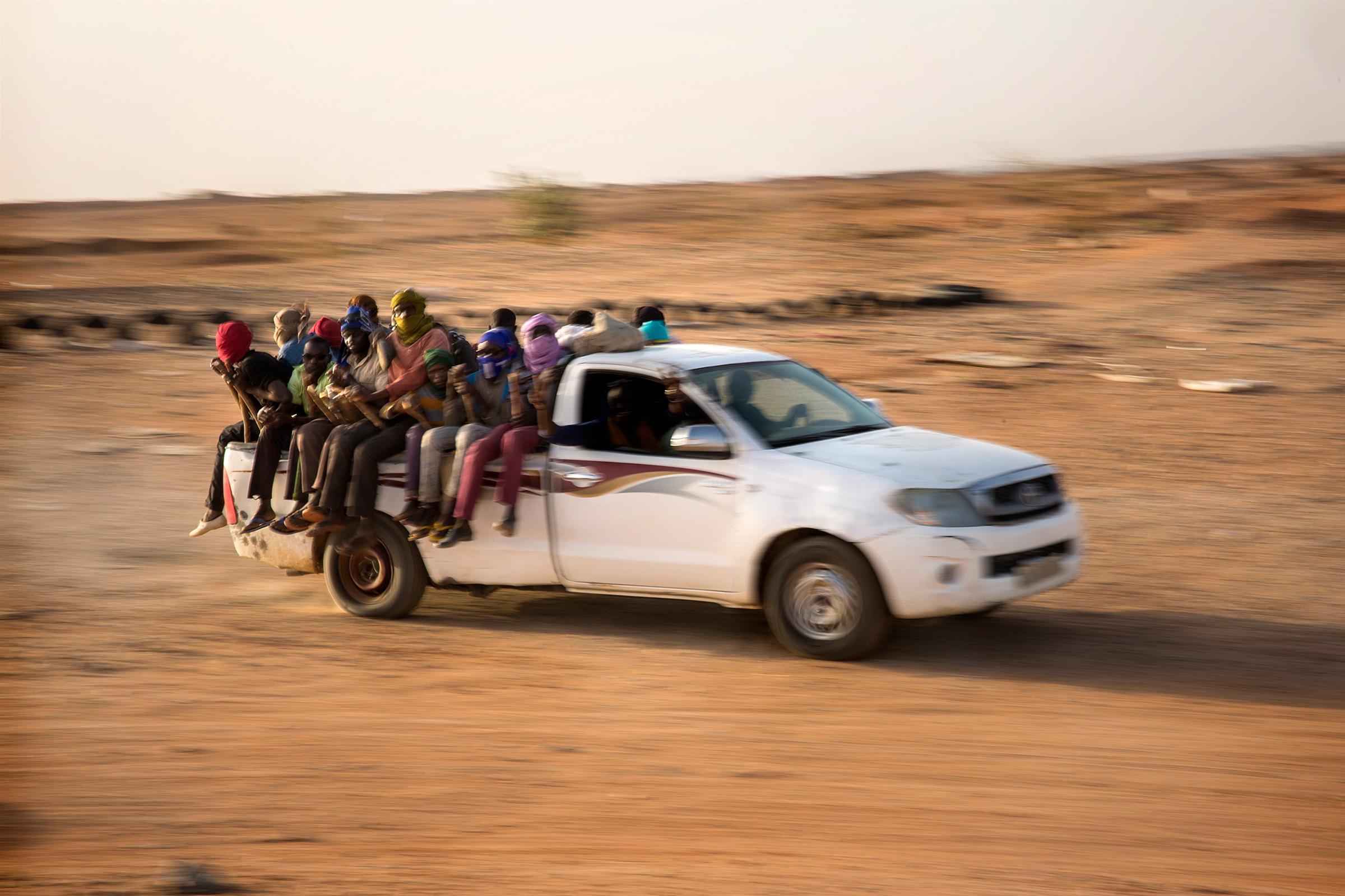 Traficantes en la arena